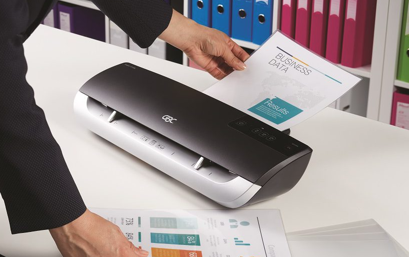 Important Things to Consider When Purchasing a Laminator For Office
